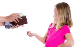 Отец не хочет платить алименты ребенку