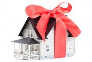 Договор дарения дома между близкими родственниками
