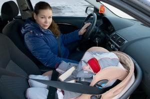 Как правильно перевозить месячного ребенка в автомобиле