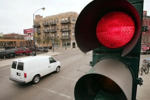 Какой штраф за проезд на запрещающий сигнал светофора в 2015 году