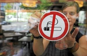 Какой штраф за курение в общественном месте