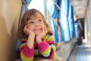 Ребенок в поезде без сопровождения родителей