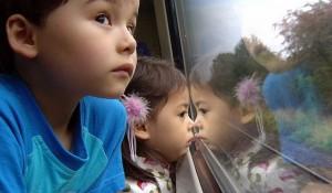 Дети в поезде без сопровождения взрослых