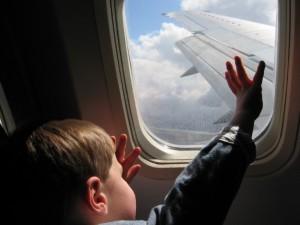 Дети на самолете без сопровождения родителей