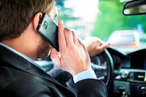 Как воспользоваться консультацией автоюриста по телефону