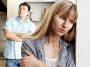 Платят ли алименты жене