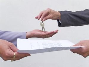 Компенсация сотрудникам за найм жилья