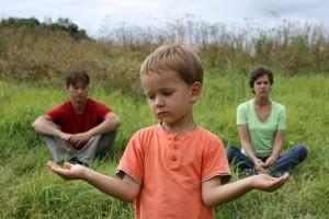 Как получить алименты без развода