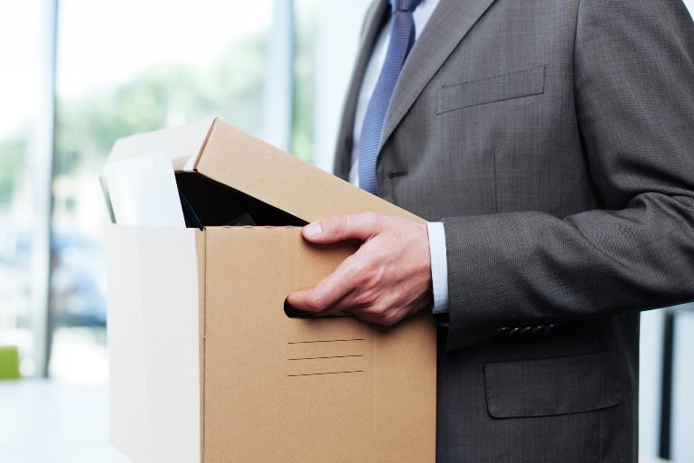 Как правильно оформить запись в трудовой при увольнении по собственному желанию в 2017 году