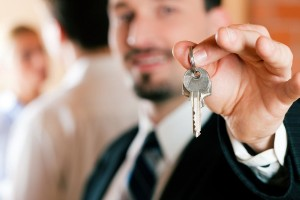 Как продать жилье после приватизации?
