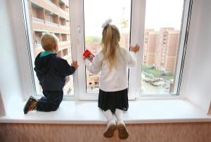 Как приватизировать жилье на несовершеннолетних детей?