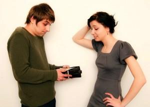 Взыскать задолженность с отца ребенка