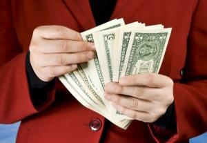 Как взыскать алименты в твердой денежной сумме?