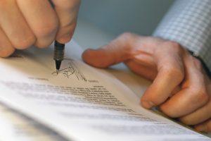 Как платятся налоги при наследовании по завещанию?