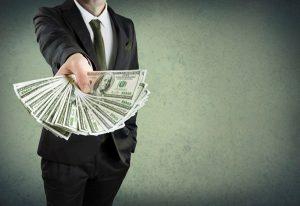Как происходит наследование вклада по завещанию?