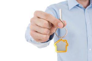 Как происходит приватизация служебной квартиры?