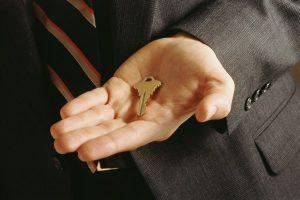 Как оспорить дарственную на квартиру