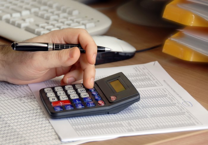 Как рассчитать задолженность по транспортному налогу