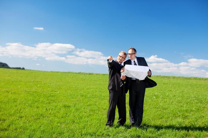 Как переоформить земельный участок на другого арендатора