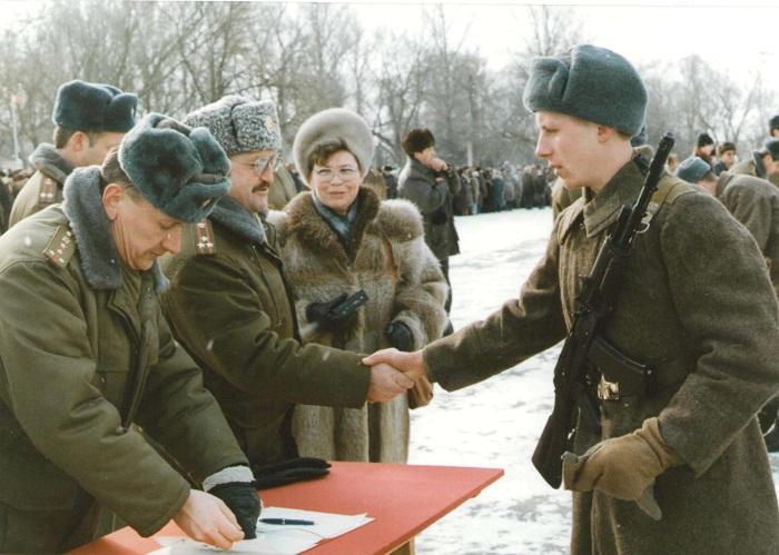 Трудовой стаж и служба в армии