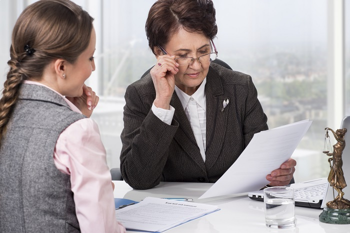 Почему первичные консультации предоставляются бесплатно