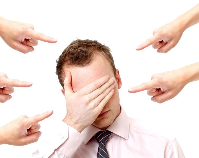 Противоправность события и вина работника